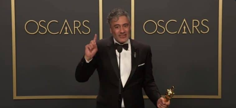 Taika Waititi trashes Apple's keyboards during Oscar speech 11