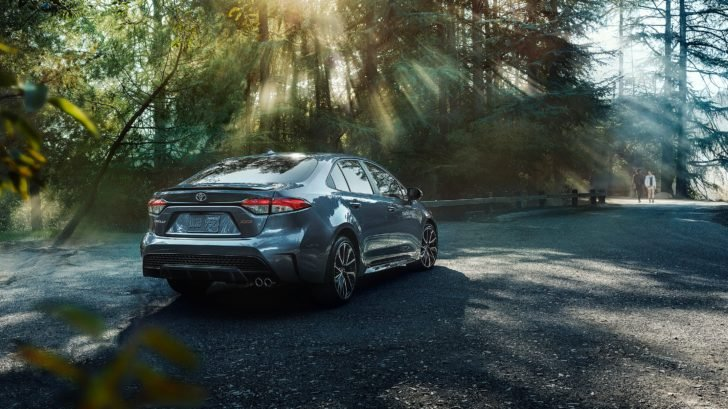 2020 Toyota Corolla Hybrid LE review: This redesigned hybrid sedan offers a great value 11