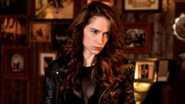Melanie Scrofano is directing an episode of Wynonna Earp Season 4 16