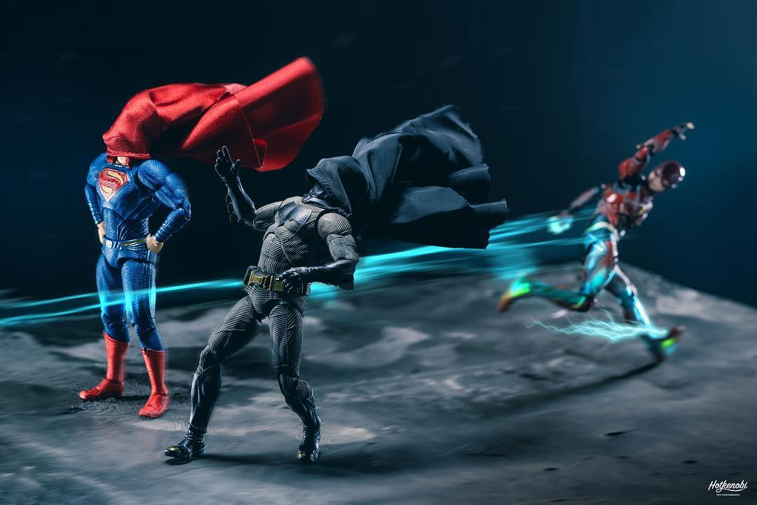 These amusing photographs bring Marvel and DC action figures to life 20