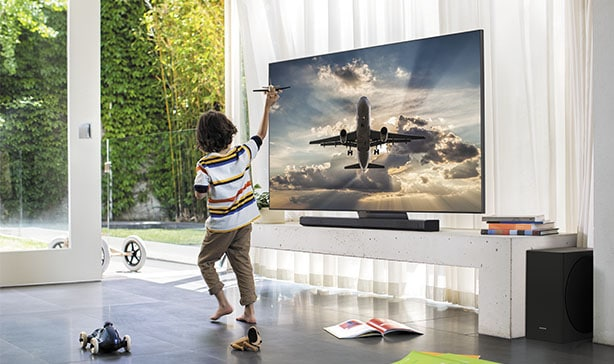 Samsung's 2020 QLED TV lineup includes a bezel-less TV 17