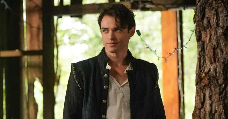 Gossip Girl reboot casts Legacies star Thomas Doherty and three others 14