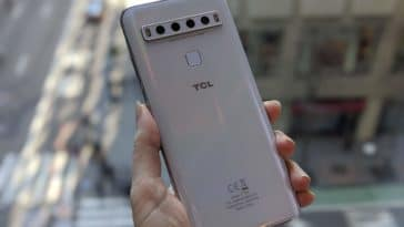TCL debuts their first 5G and curved display phone 34