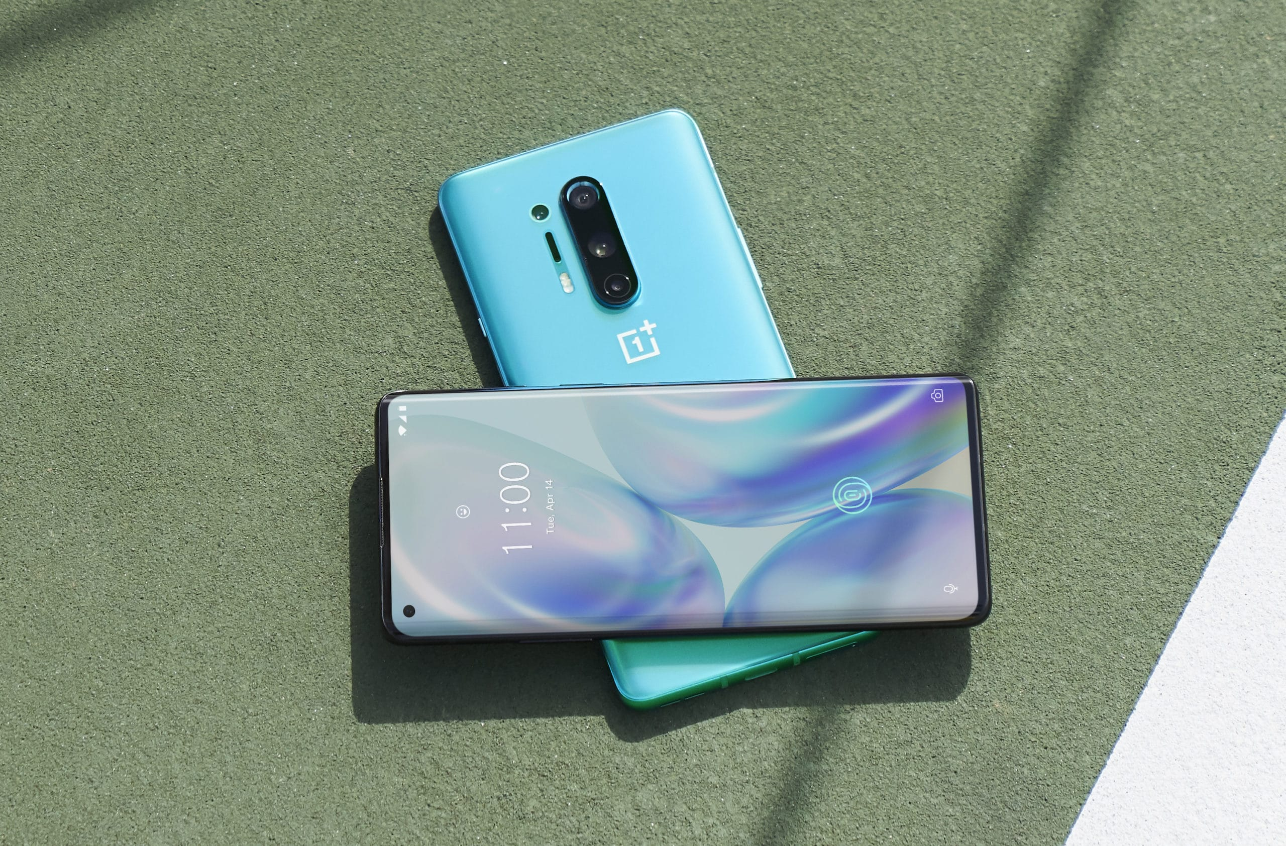 OnePlus 8 Pro in green
