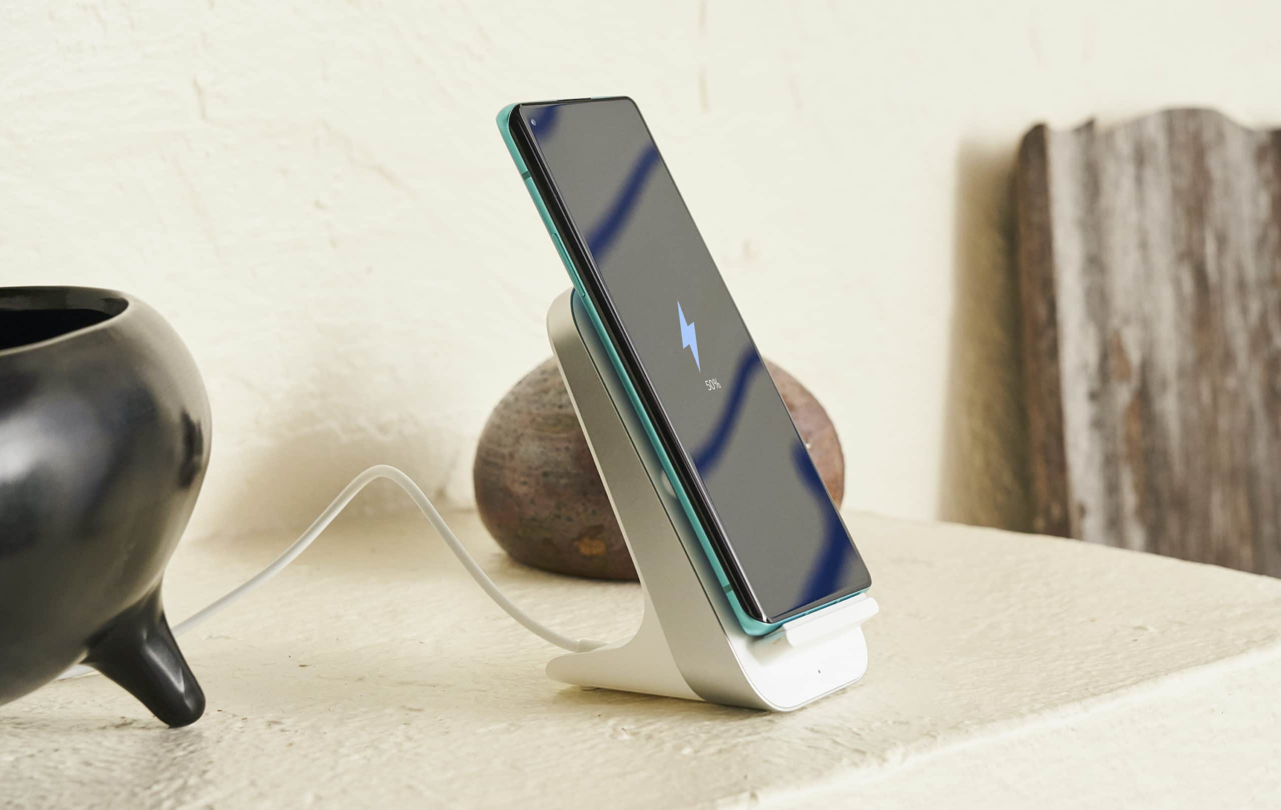 OnePlus Warp charge wireless charger