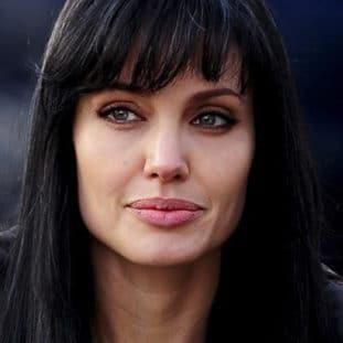 Angelina Jolie 68
