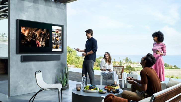 Samsung's Terrace TV is made for the outdoors 15