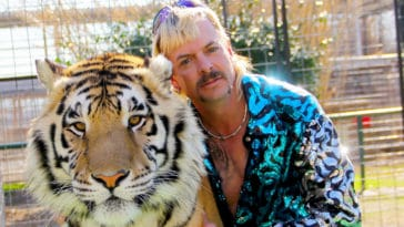 Joe Exotic's zoo reopens to huge crowds of Tiger King fans 18