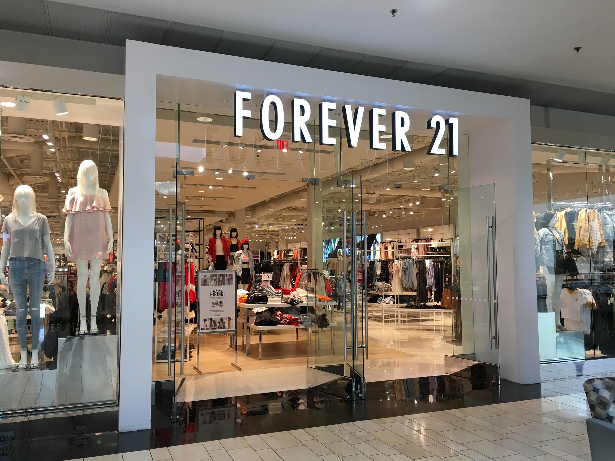 Retail stores that are closing down 27