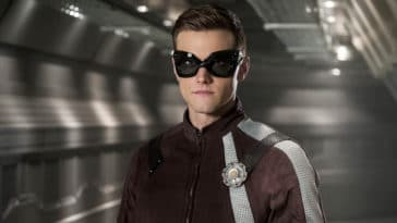 The Flash fires Hartley Sawyer over racist and misogynist tweets 19