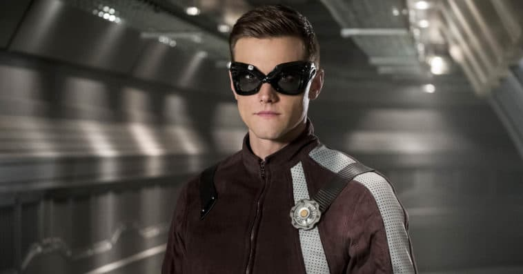 The Flash fires Hartley Sawyer over racist and misogynist tweets 12