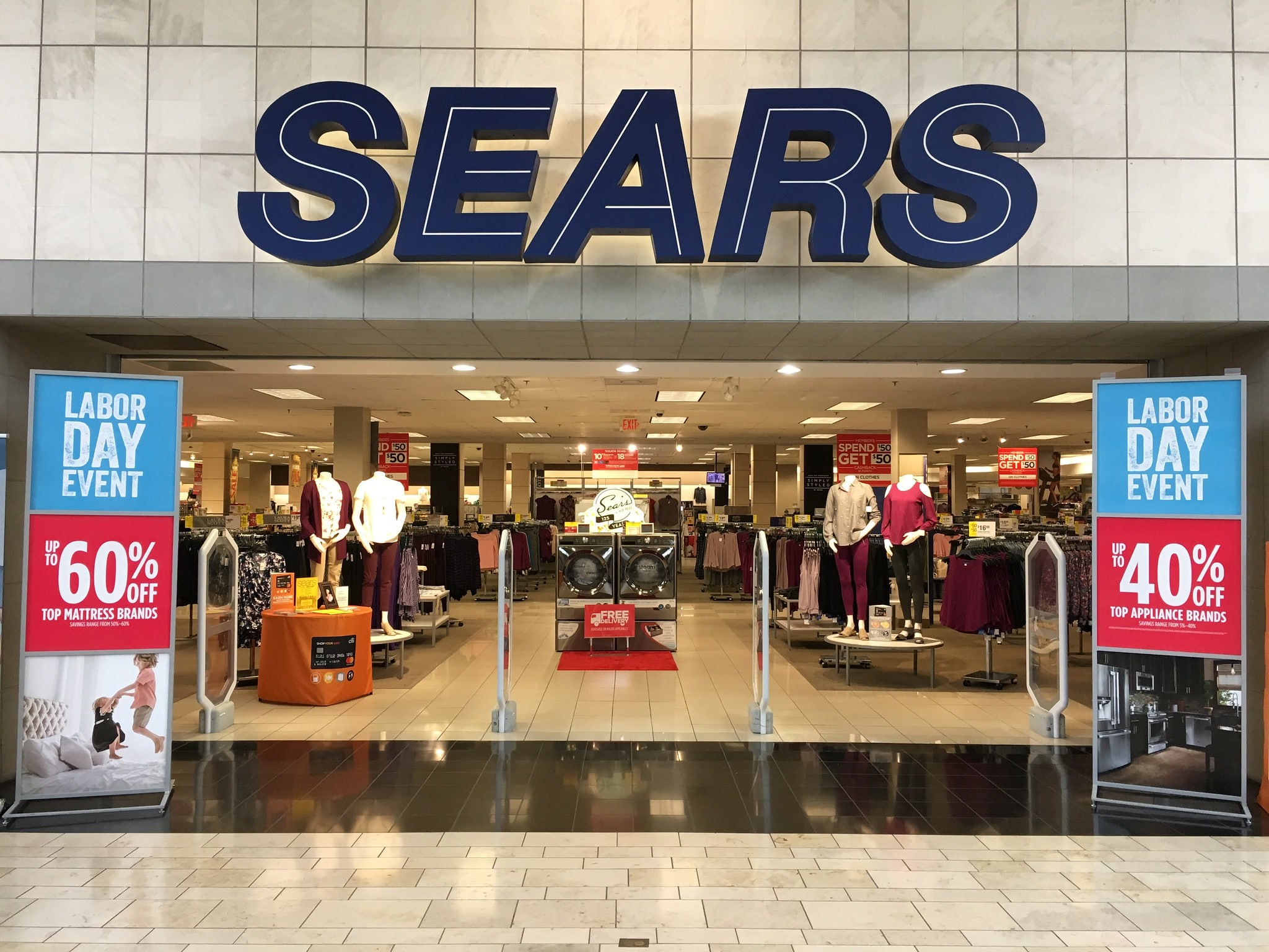 Retail stores that are closing down 33