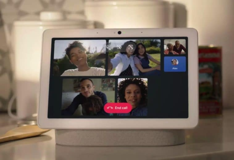 Google Assistant smart displays now support group calls 12