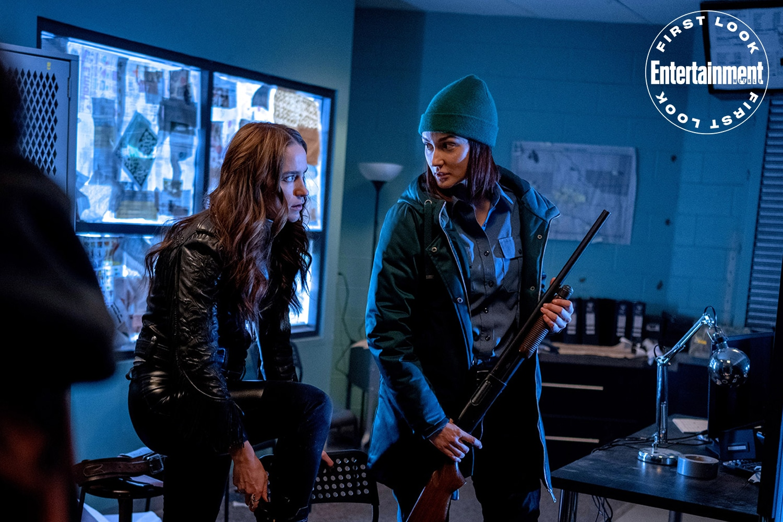 Wynonna Earp unveils season 4 first-look photos 20