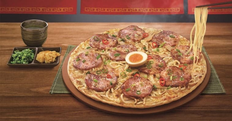 Ramen pizza is a real thing and it looks surprisingly tasty 11