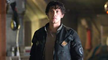 The 100 star Bob Morley allegedly abused his ex-girlfriend Arryn Zech 22