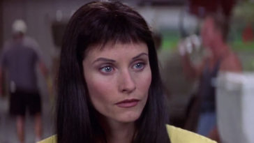 Courteney Cox is returning for Scream 5 and fans can't wait for her new hairstyle 13