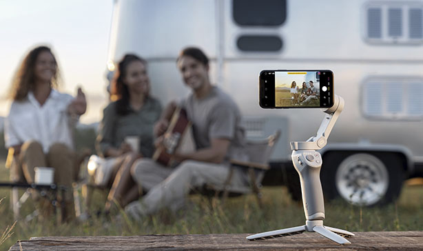 DJI OM 4 is a foldable, compact smartphone stabilizer with gesture control 12