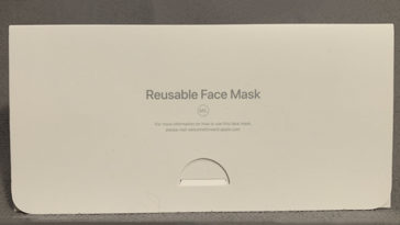 Apple made its own face mask complete with packaging 16