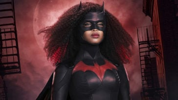 Batwoman's Javicia Leslie looks stunning in her new superhero costume 15
