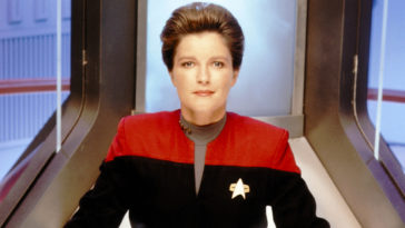 Star Trek: Voyager's Kate Mulgrew is returning as Captain Janeway for Star Trek: Prodigy 15