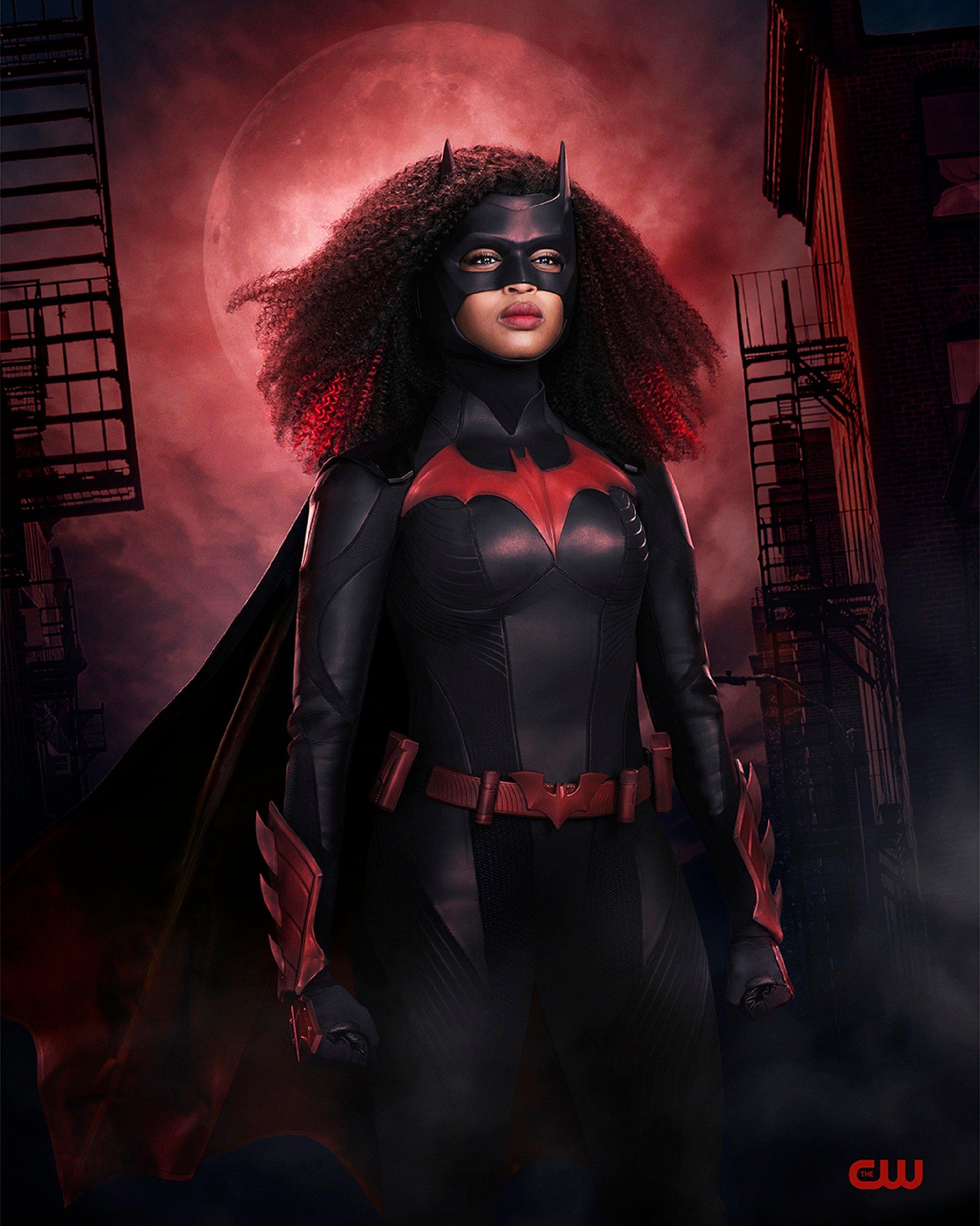 Batwoman's Javicia Leslie looks stunning in her new superhero costume 14