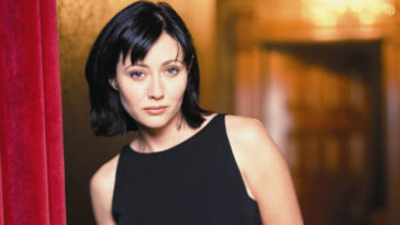 Shannen Doherty weighs in on the Charmed feud between the old and new stars 15