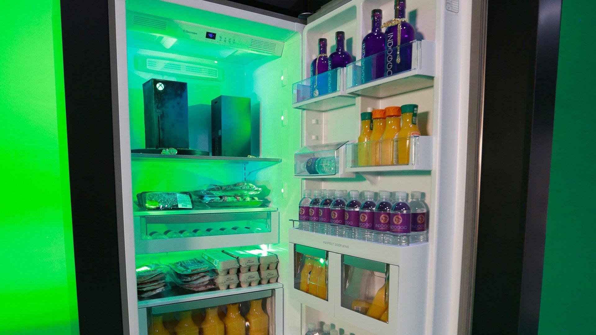 Microsoft made an Xbox Series X fridge 16