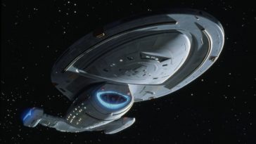 Researchers create a microscopic Star Trek Voyager ship 13