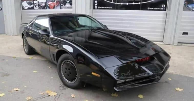 Knight Rider's David Hasselhoff is auctioning off his KITT car 12