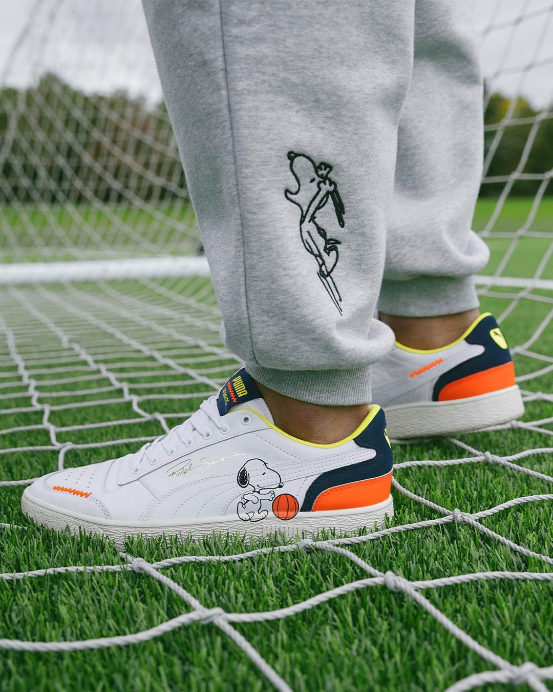 PUMA x PEANUTS Future Rider sneakers are now available 17