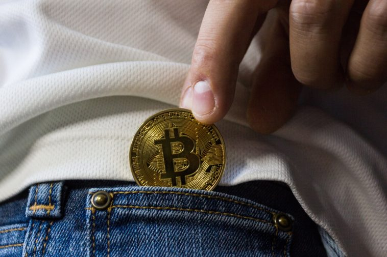 How to earn free Bitcoins without mining