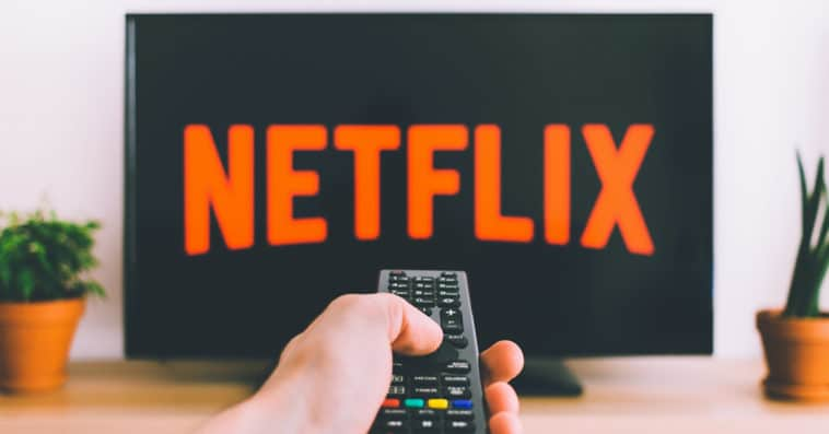 Netflix is trying to block password sharing with a new pop-up feature 15