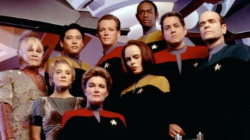 A crowdfunding campaign for Star Trek: Voyager Documentary is now live 12