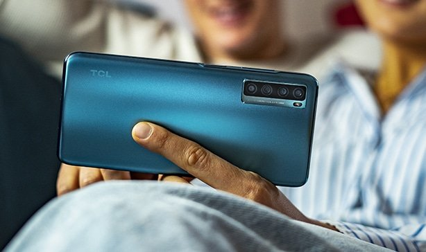The TCL 20 Pro 5G is all about bang for your buck 16
