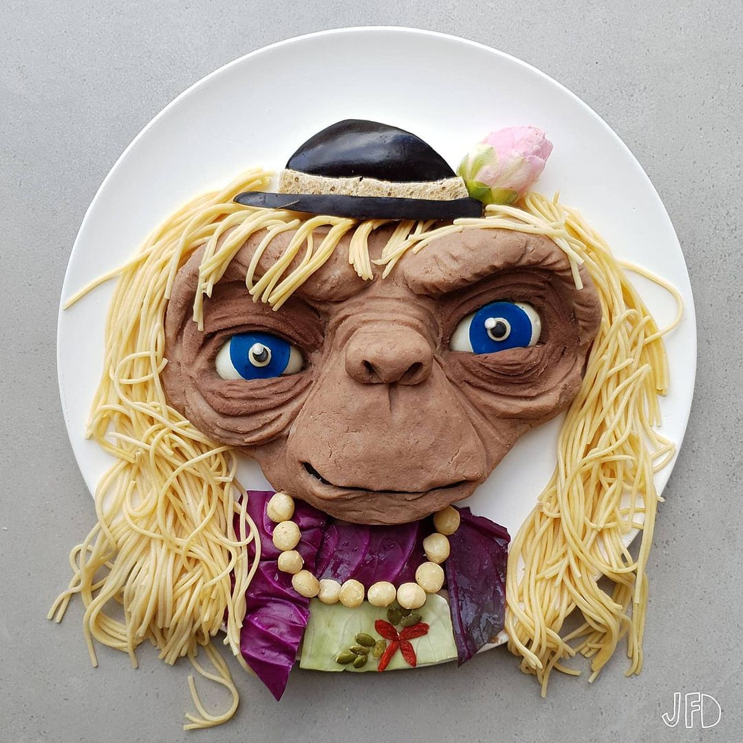 Mom turns her kid's lunches into edible pop culture icons 31