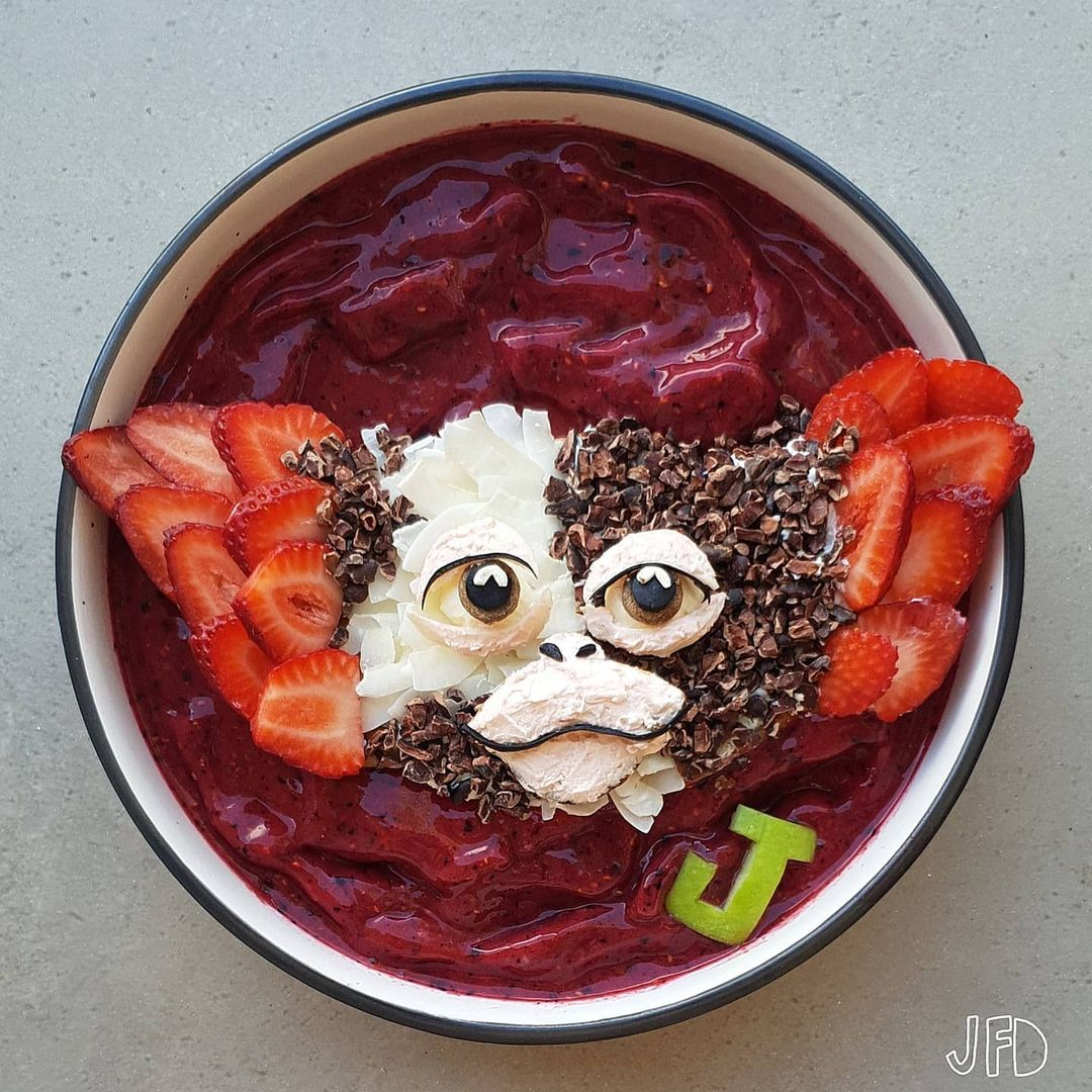 Mom turns her kid's lunches into edible pop culture icons 13