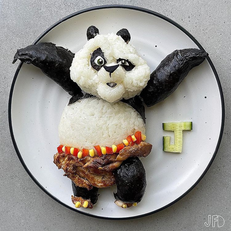 Mom turns her kid's lunches into edible pop culture icons 16