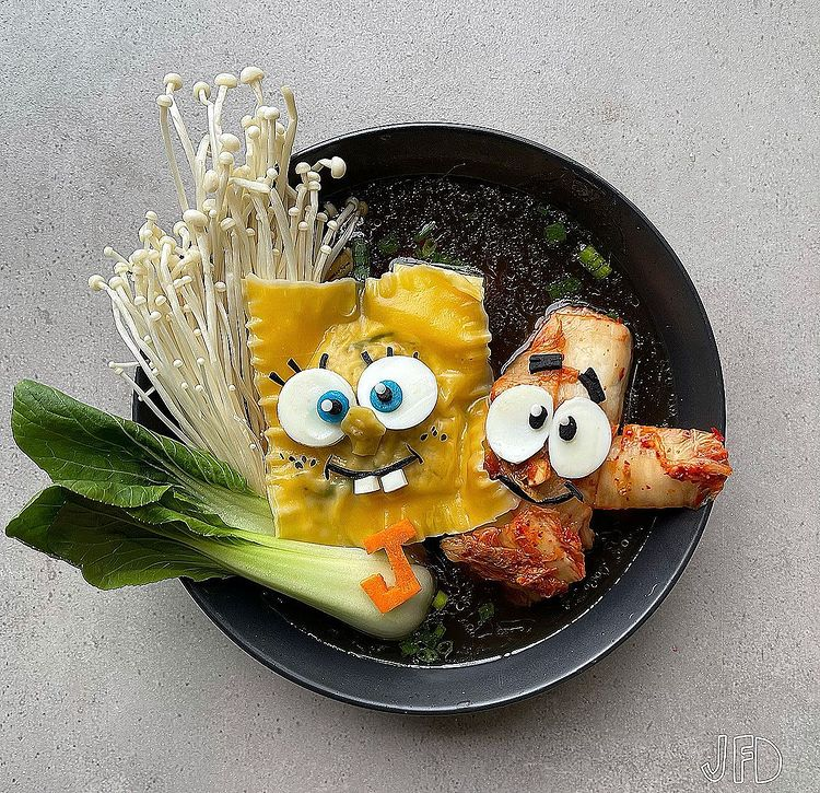 Mom turns her kid's lunches into edible pop culture icons 32