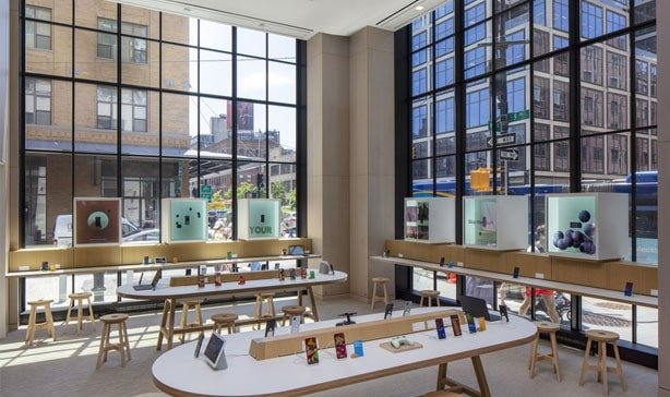 Google's first-ever retail store opens in NYC today 15
