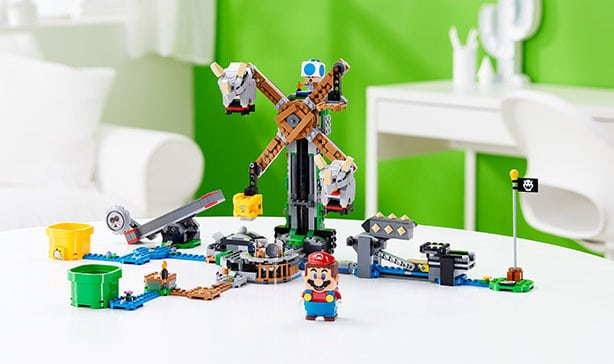 Super Mario LEGO adds Luigi figure and a two-player mode 16