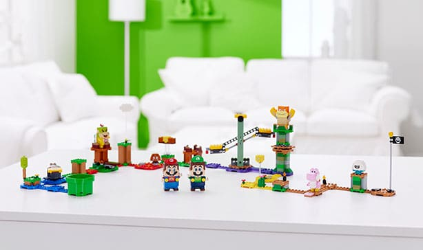 Super Mario LEGO adds Luigi figure and a two-player mode 15