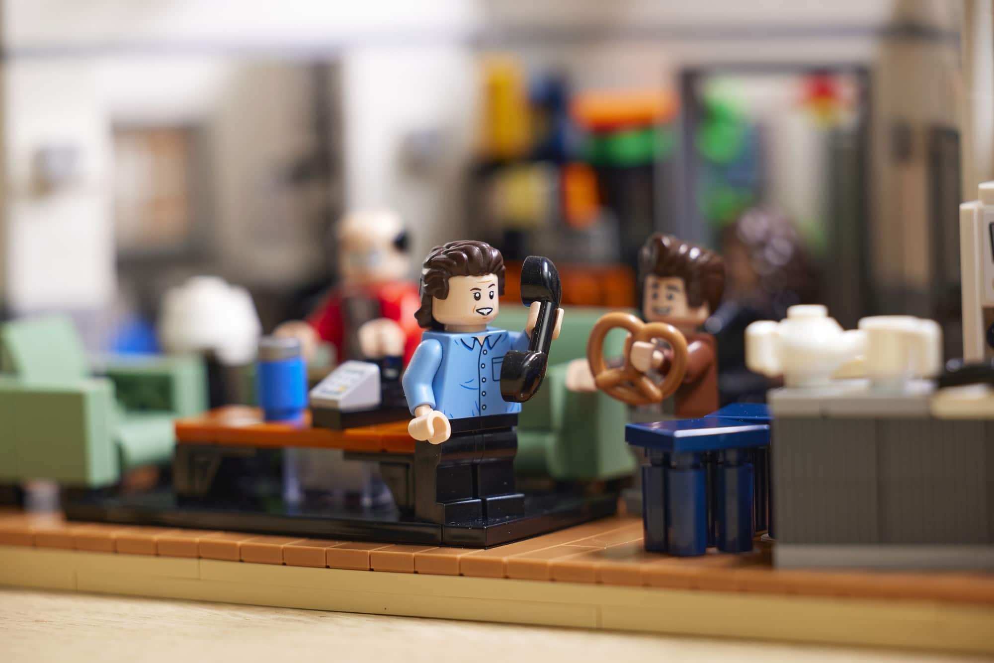 The LEGO Ideas Seinfeld set will transport fans back to '90s New York City 19