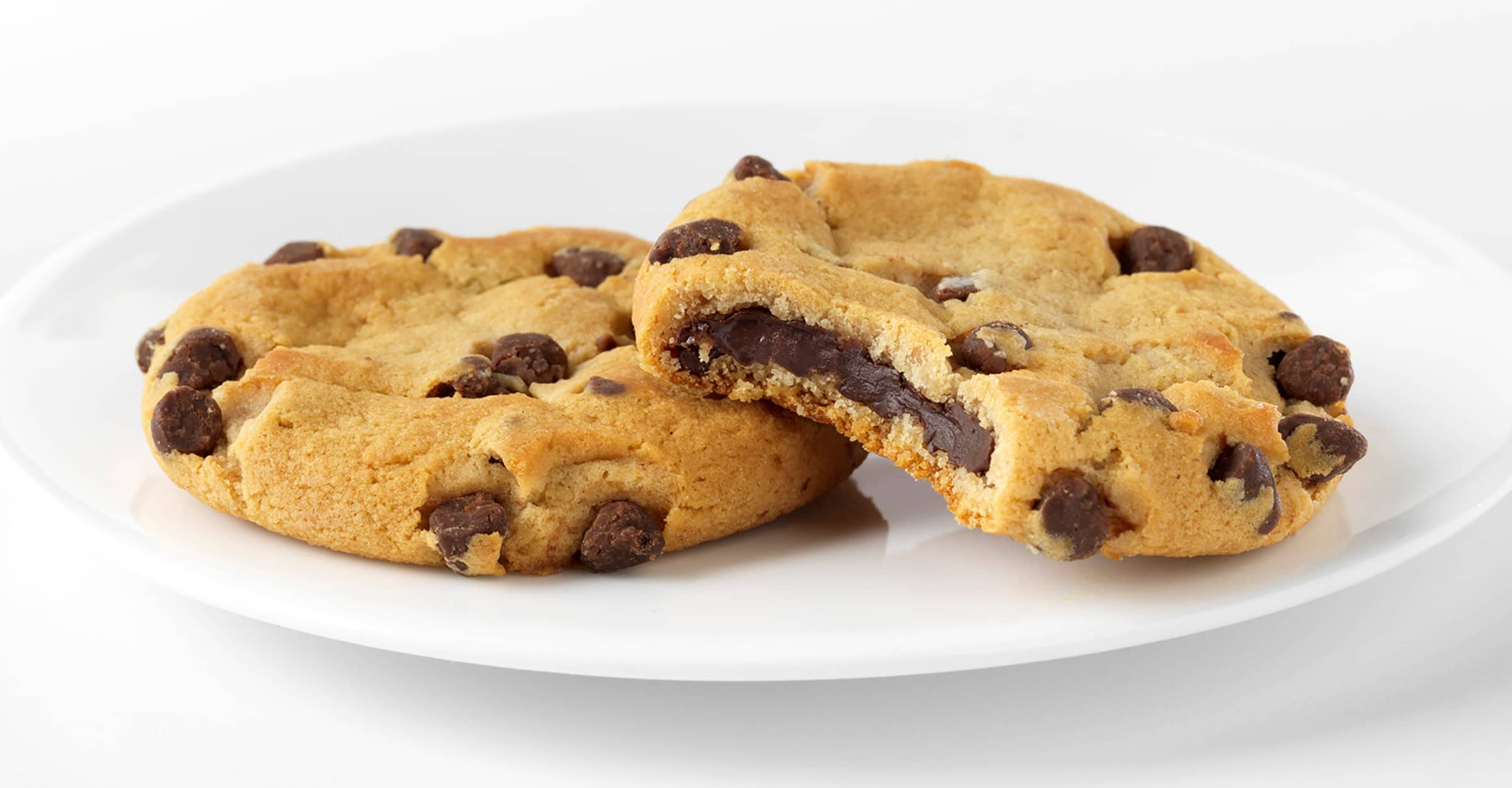 Chips Ahoy! partners with Hershey's for limited-edition fudge filled cookies 17