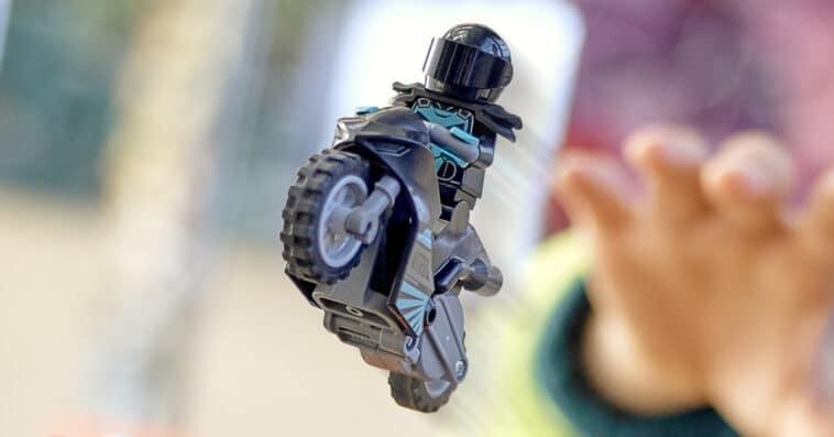 LEGO introduces flywheel-powered bikes with LEGO City Stuntz sets 16