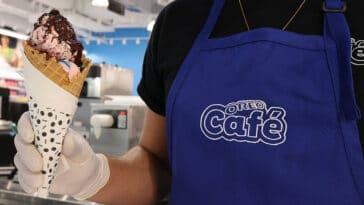 The first Oreo Café serves sundaes, shakes, and a secret menu item 21
