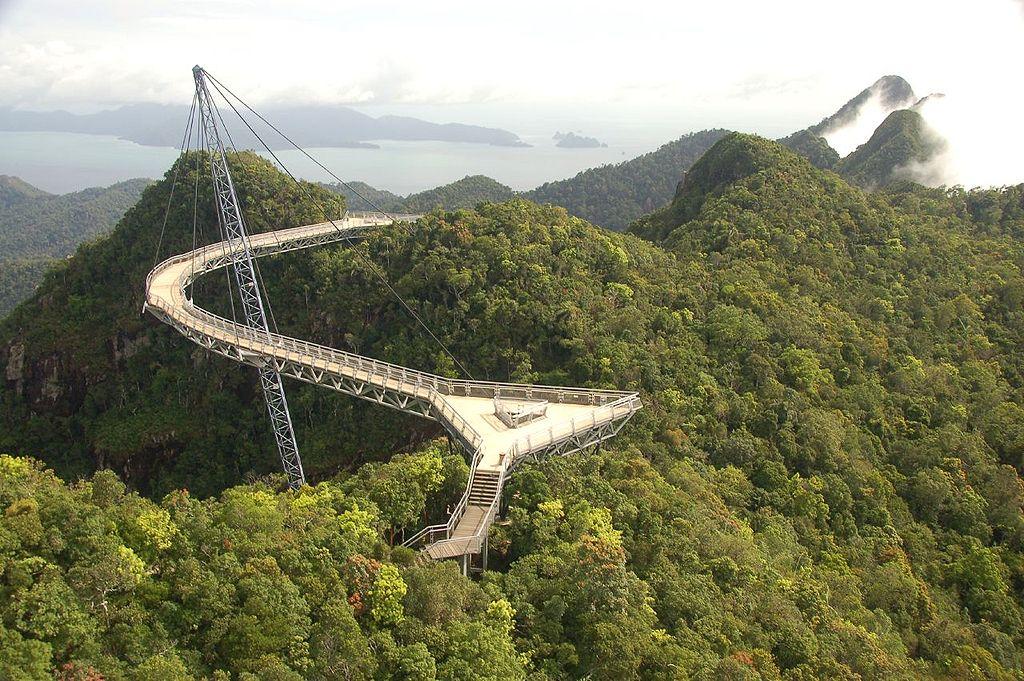 The world's most dangerous bridges 17