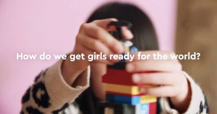 LEGO plans to remove gender bias from its toys 13