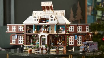 The LEGO Ideas Home Alone set lets you recreate Kevin's holiday antics 16