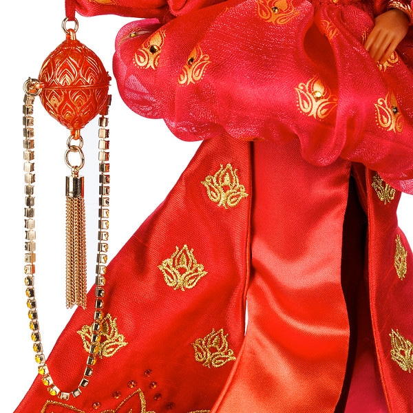 Disney unveils its most stylish Jasmine doll to date 17